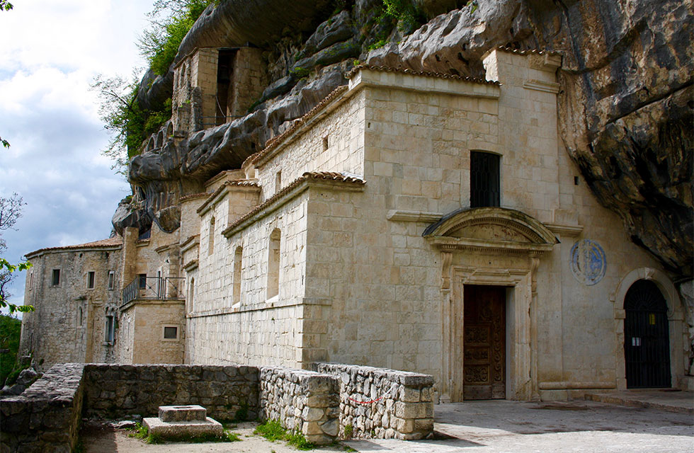Travel Abruzzo with Italian Provincial Tours and visit the hermitage of Santo Spirito a Majella