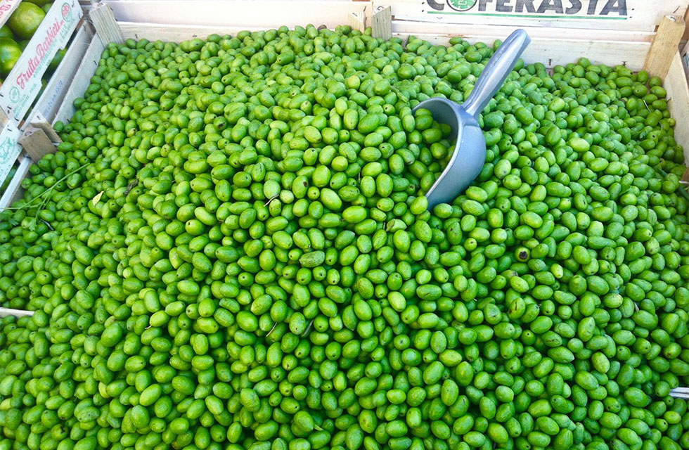 Green olives at the market in Pescara, Abruzzo Italy Food Tours