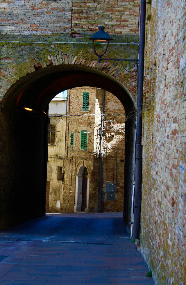 Archway in Bucchianico in Abruzzo on Italian Provincial Tours' Italy Tours