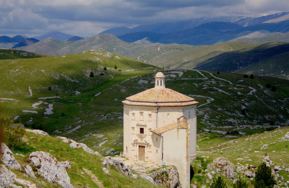 La Chiesa di Santa Maria della Pietà in Abruzzo, explore provincial Italy on Italian Provincial Tours' Italy small group tours