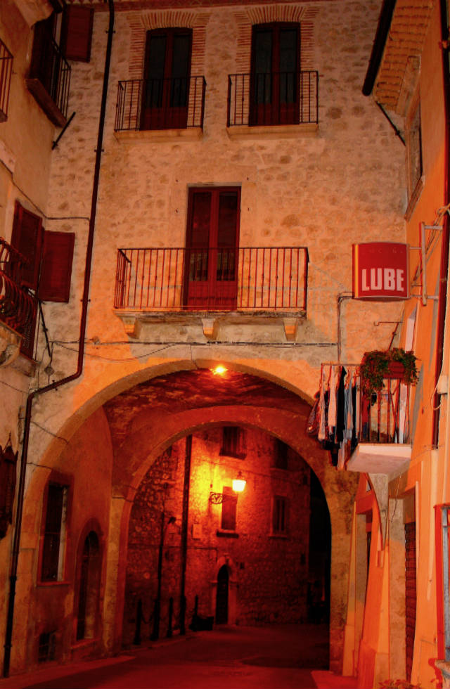 Pacentro at night, travel Abruzzo