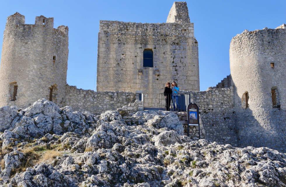 Rocca-Calascio-day-tour-Abruzzo