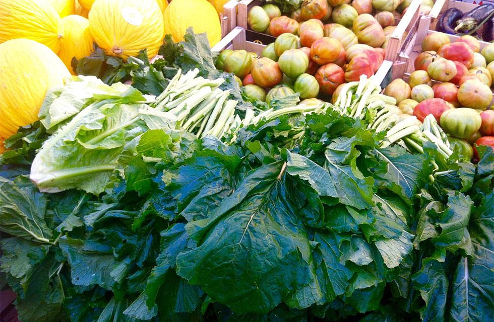 Abruzzo Italy Market ToursFresh produce at the farmer's market in Pescara