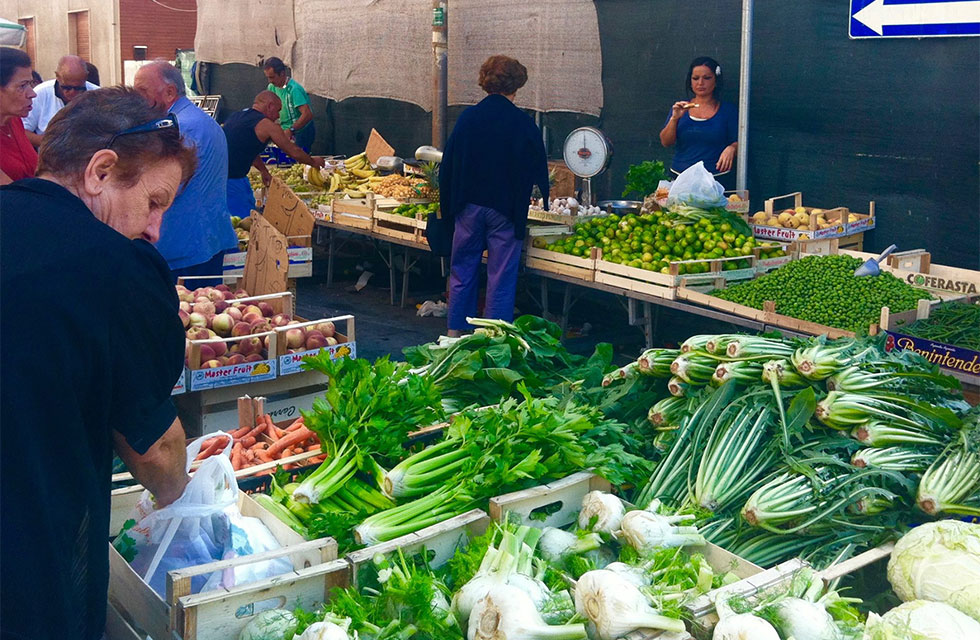 Farmers market on Abruzzo Summer Italy Tours