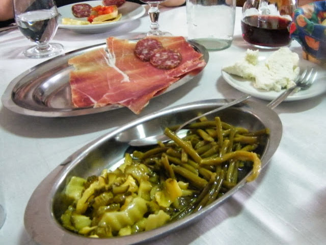 italian-provincial-tours-abruzzo-santo-stefano-di-sessanio-Italy-food-tour
