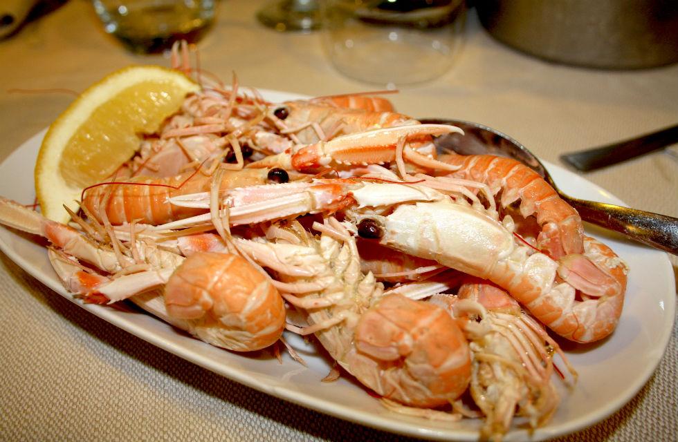 Food tour Italy, local scampi in Pescara, Abruzzo