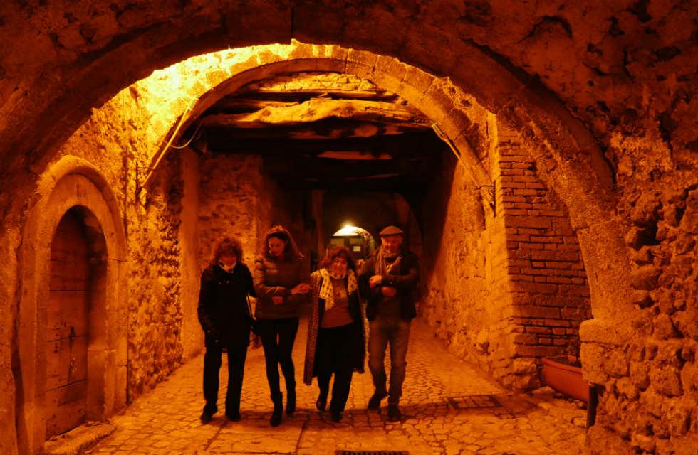 Santo-Stefano-di-Sessanio-at-night-walking-tour