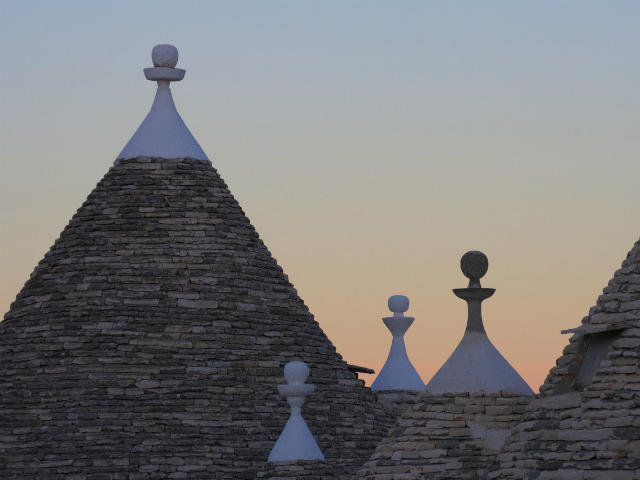 small-group-tour-Alberobello-Puglia-Italy