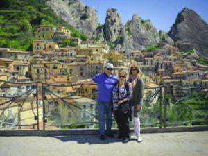 Small-group-tour-of-Pietrapertosa-Basilicata-Italy