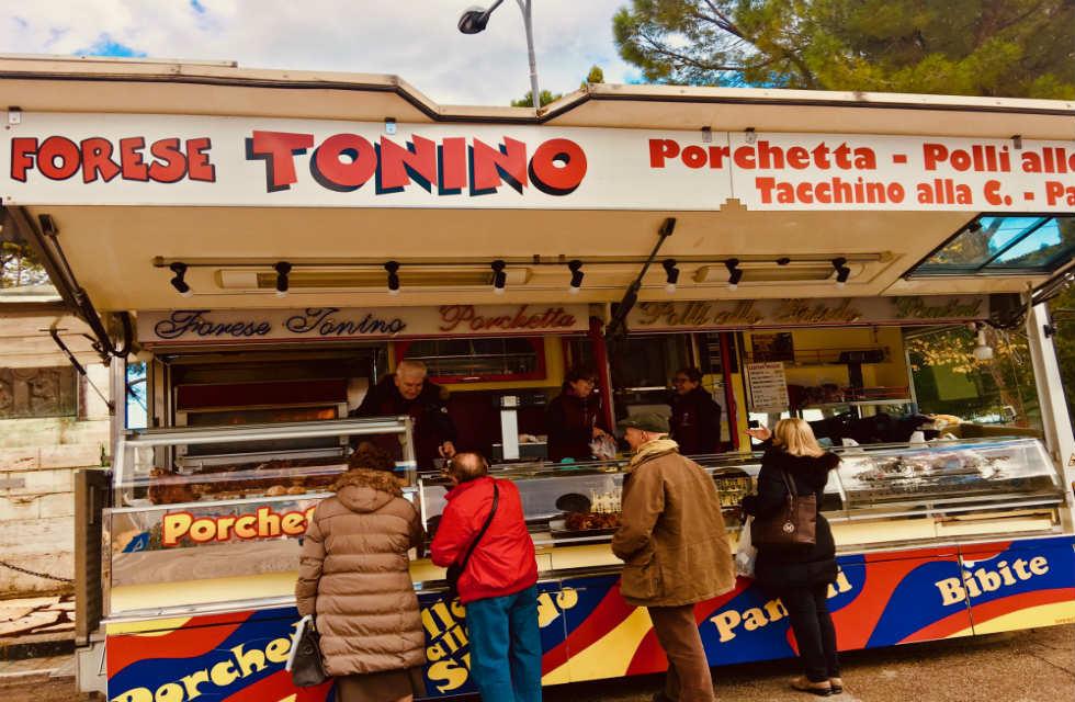 Porchetta-van-in-Abruzzo-street-food-tours-Abruzzo