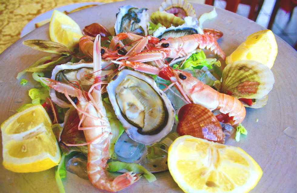 raw-seafood-pesce-crudo-dining-out-in-Abruzzo-Italy