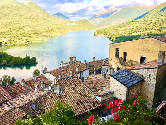Barrea-beautiful-villages-small-group-tour